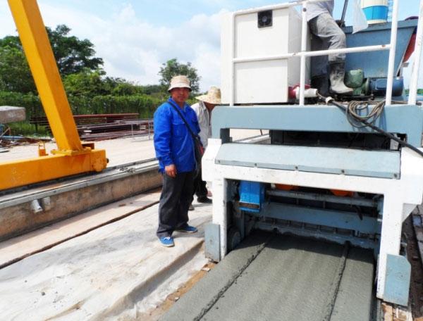 马来西亚客户多功能预应力预制构件生产线生产现场