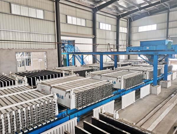 南京绿科人居卧式立模轻质墙板生产线现场